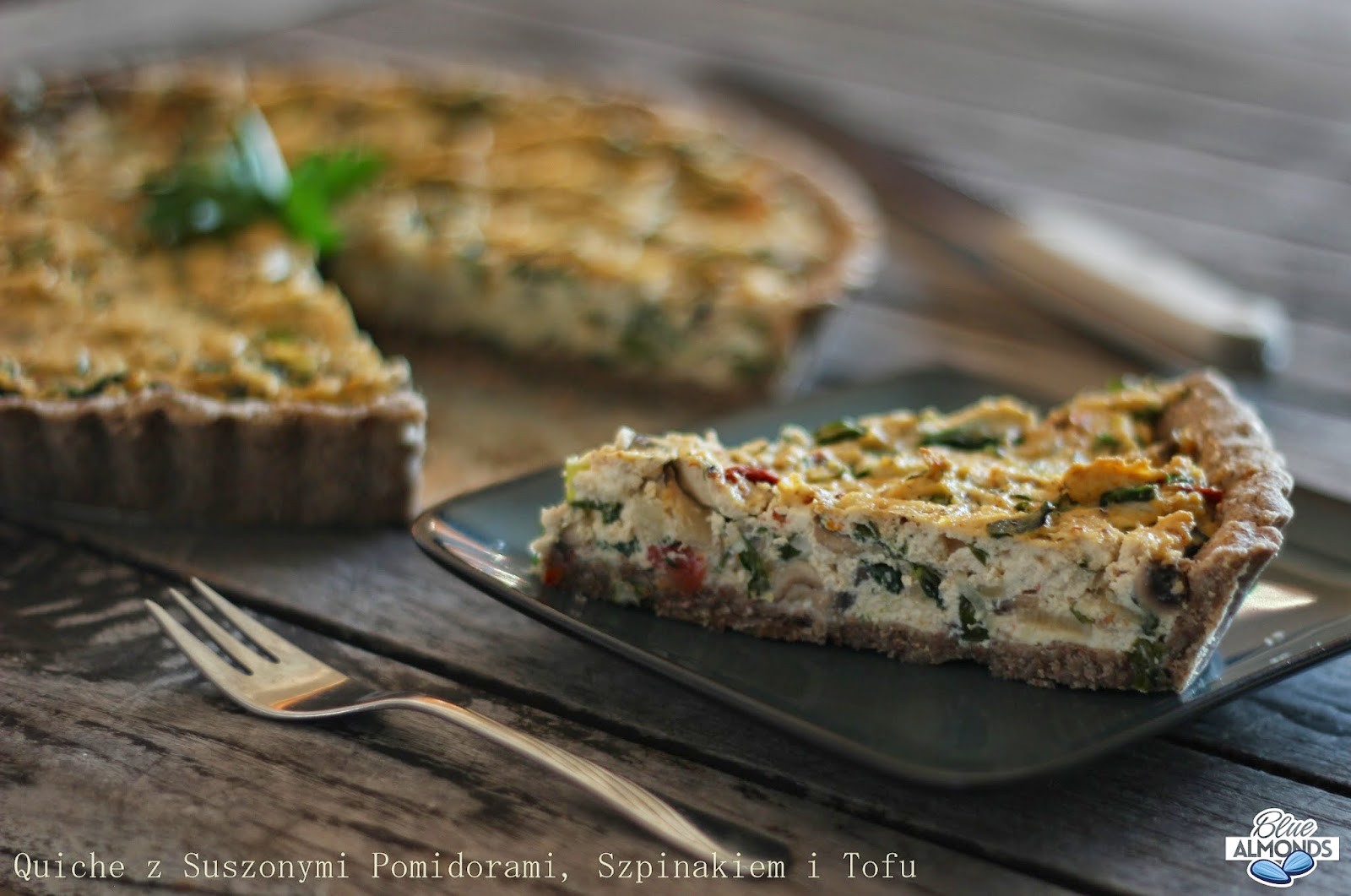 Quiche z Suszonymi Pomidorami, Szpinakiem & Tofu
